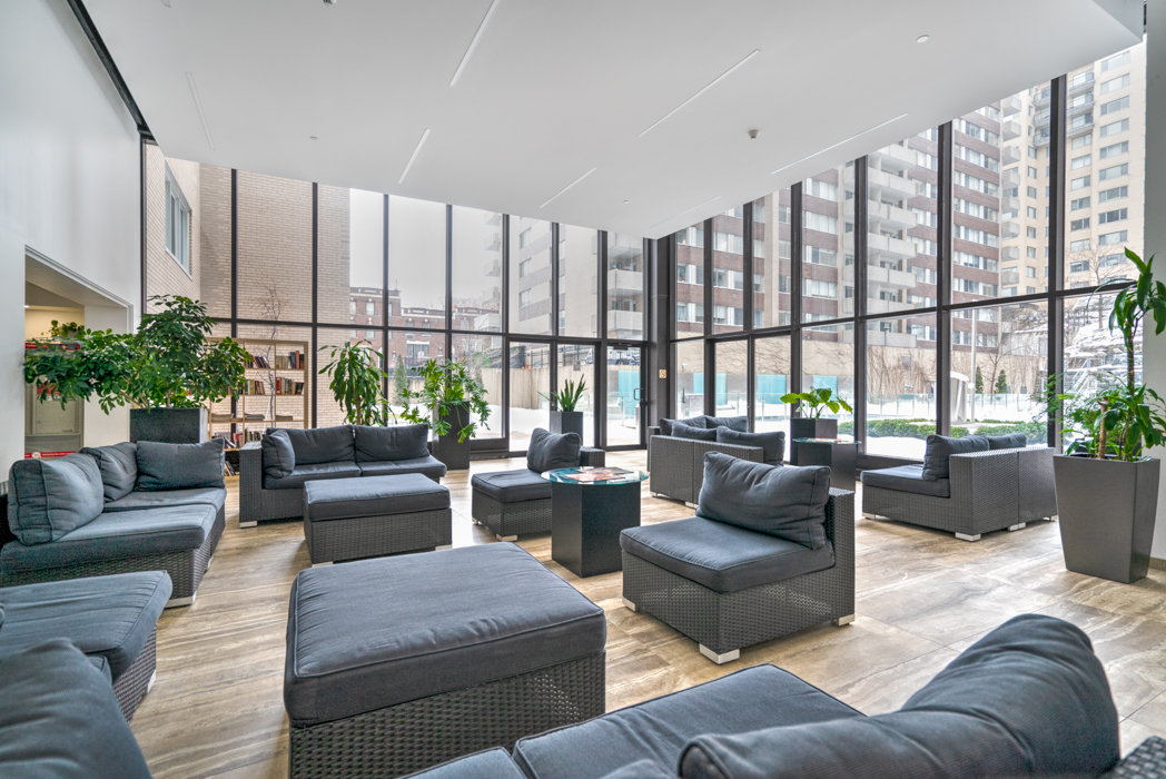2 bedroom Apartments for rent in Montreal (Downtown) at Le Parc - Floorplan 01 - RentQuebecApartments – L402937
