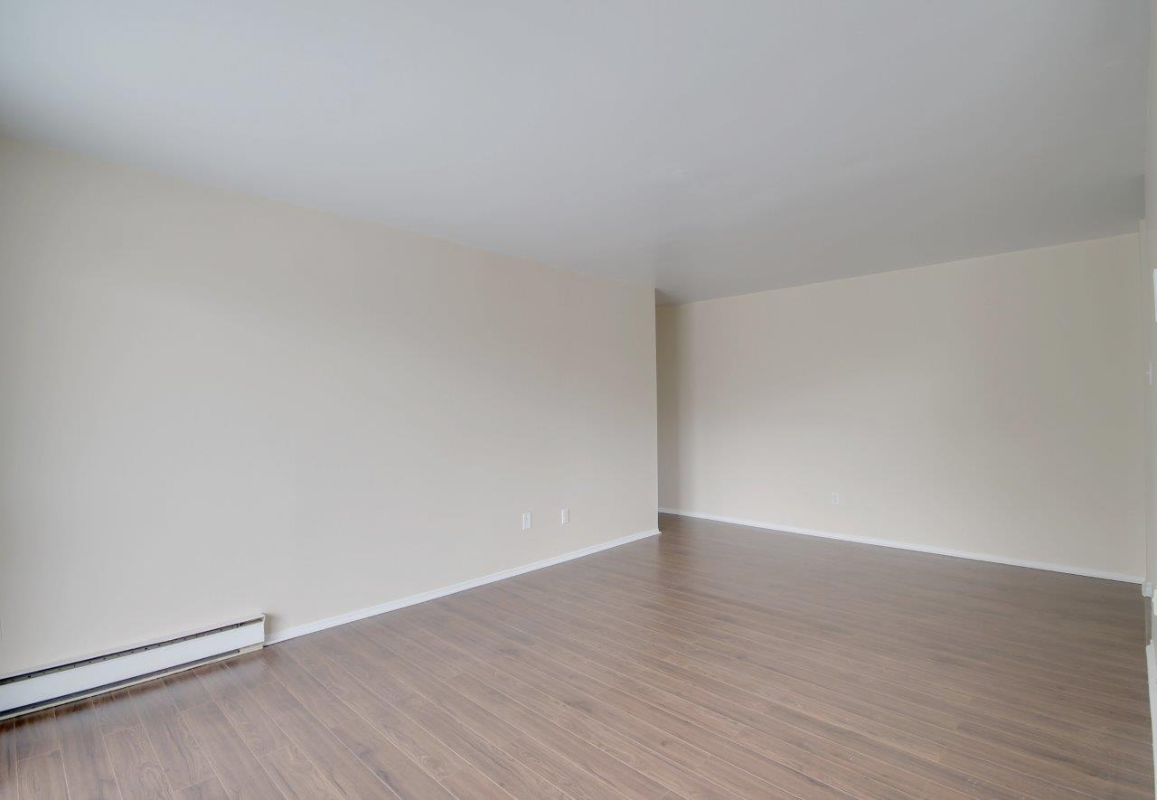 2 bedroom Apartments for rent in Pierrefonds-Roxboro at Le Palais Pierrefonds - Photo 02 - RentQuebecApartments – L179181