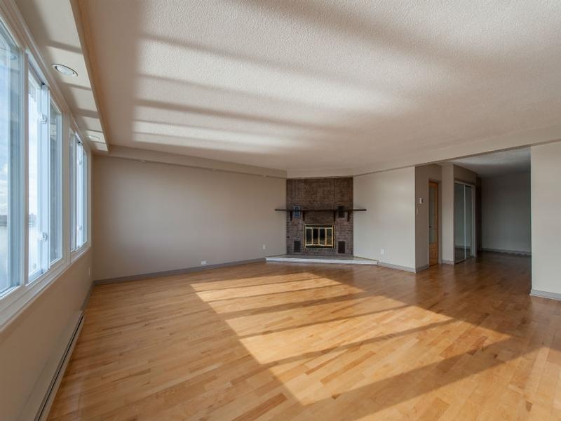 3 bedroom Apartments for rent in Laval at Le Castel de Laval - Photo 02 - RentQuebecApartments – L6087
