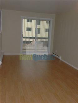 2 bedroom Apartments for rent in Lachine at 1530 and 1560 Croissant Roy - Photo 02 - RentQuebecApartments – L5887