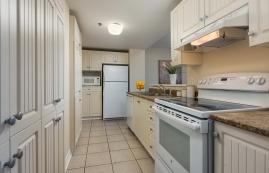 2 bedroom Apartments for rent in Cote-St-Luc at Excelsior - Photo 01 - RentQuebecApartments – L6071