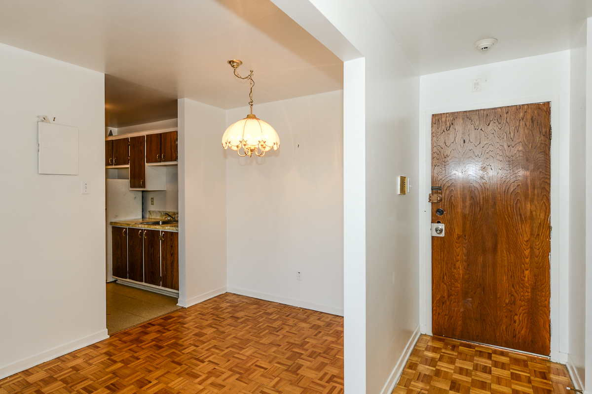 1 bedroom Apartments for rent in Laval at 5025 Samson - Photo 07 - RentQuebecApartments – L28107