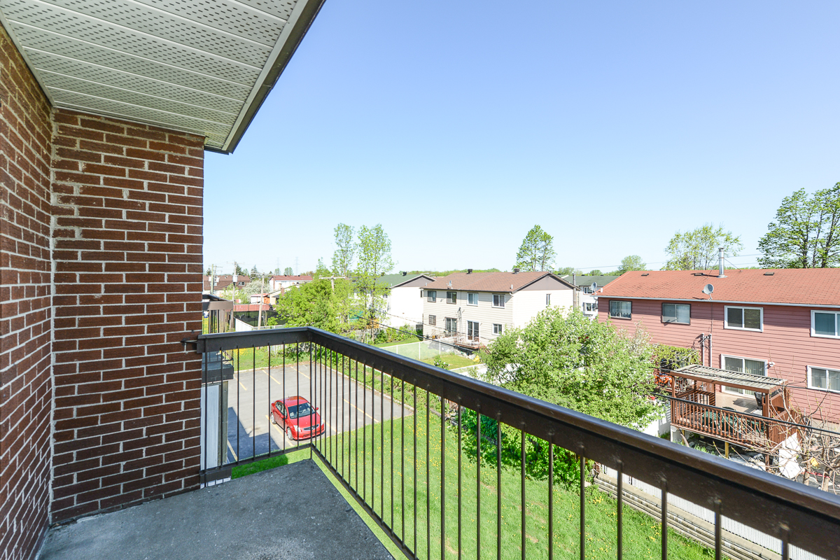 1 bedroom Apartments for rent in Laval at 5025 Samson - Photo 10 - RentQuebecApartments – L28107