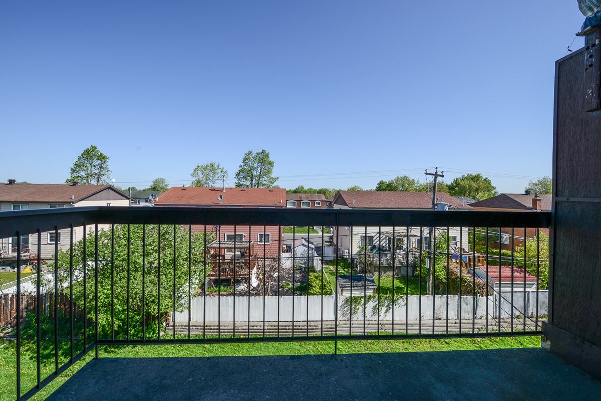 1 bedroom Apartments for rent in Laval at 5025 Samson - Photo 12 - RentQuebecApartments – L28107