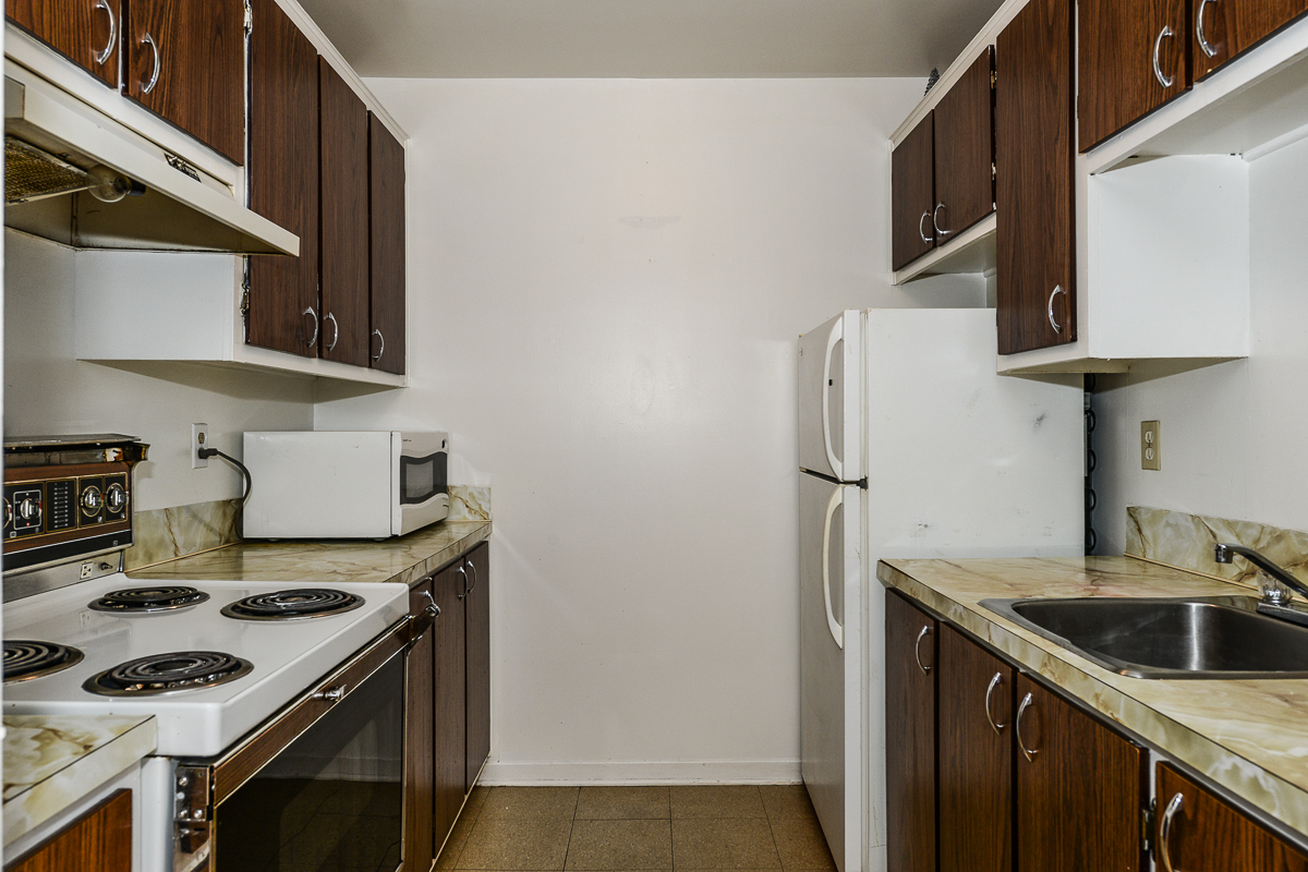 1 bedroom Apartments for rent in Laval at 5025 Samson - Photo 15 - RentQuebecApartments – L28107