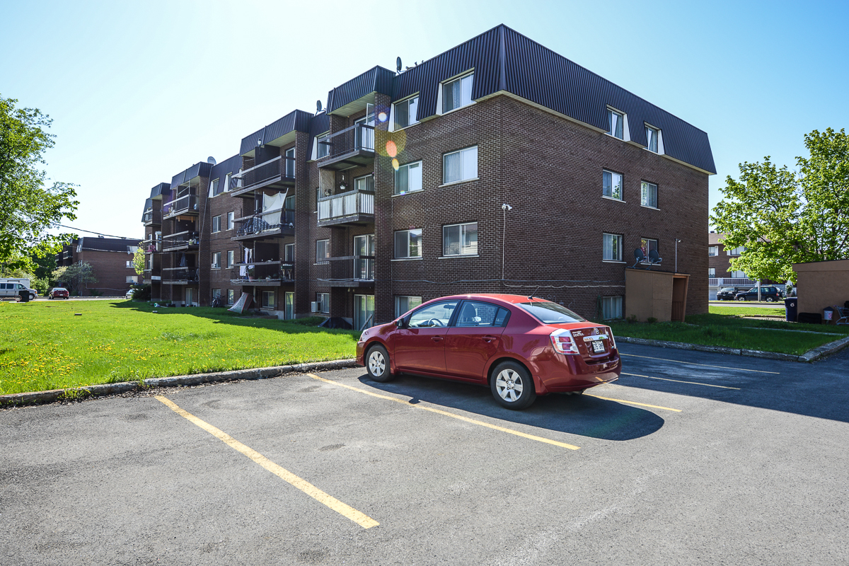 1 bedroom Apartments for rent in Laval at 5025 Samson - Photo 16 - RentQuebecApartments – L28107