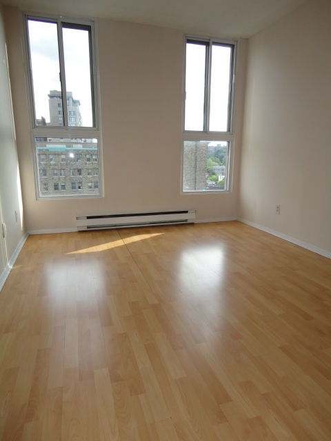 1 bedroom Apartments for rent in Montreal (Downtown) at 2150 Mackay - Photo 03 - RentQuebecApartments – L3742