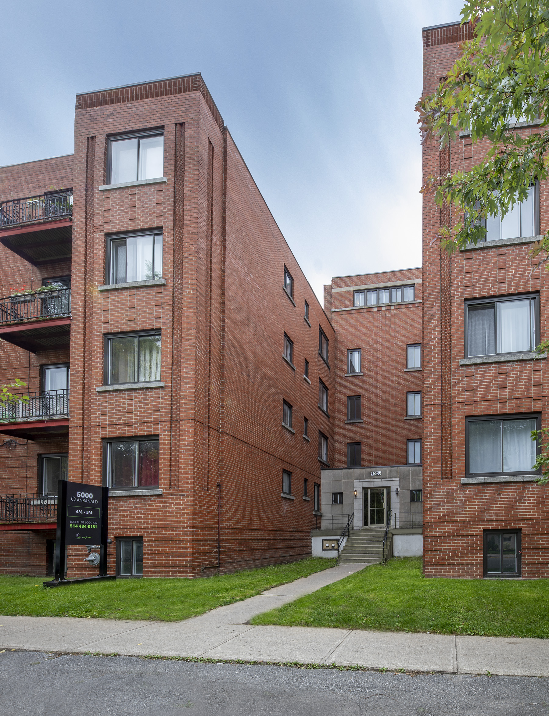 2 bedroom Apartments for rent in Cote-des-Neiges at 5000 Clanranald - Photo 02 - RentQuebecApartments – L401548