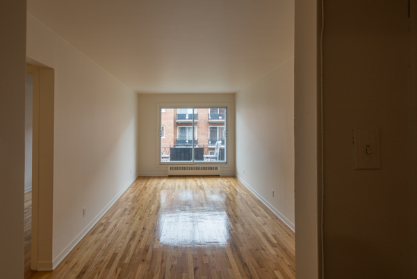 1 bedroom Apartments for rent in Lachine at Lachine Plaza - Photo 04 - RentQuebecApartments – L10037