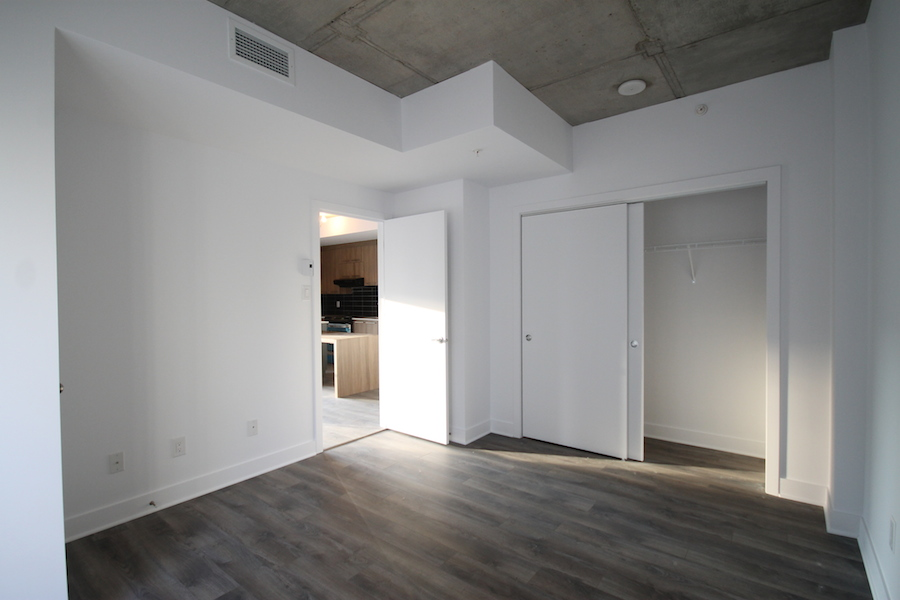luxurious Studio / Bachelor Condos for rent in Montreal (Downtown) at 1255 de Bullion - Photo 08 - RentQuebecApartments – L119807