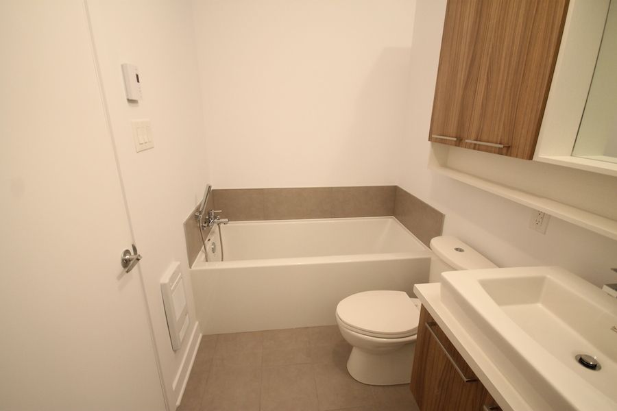 luxurious Studio / Bachelor Condos for rent in Montreal (Downtown) at 1255 de Bullion - Photo 13 - RentQuebecApartments – L119807
