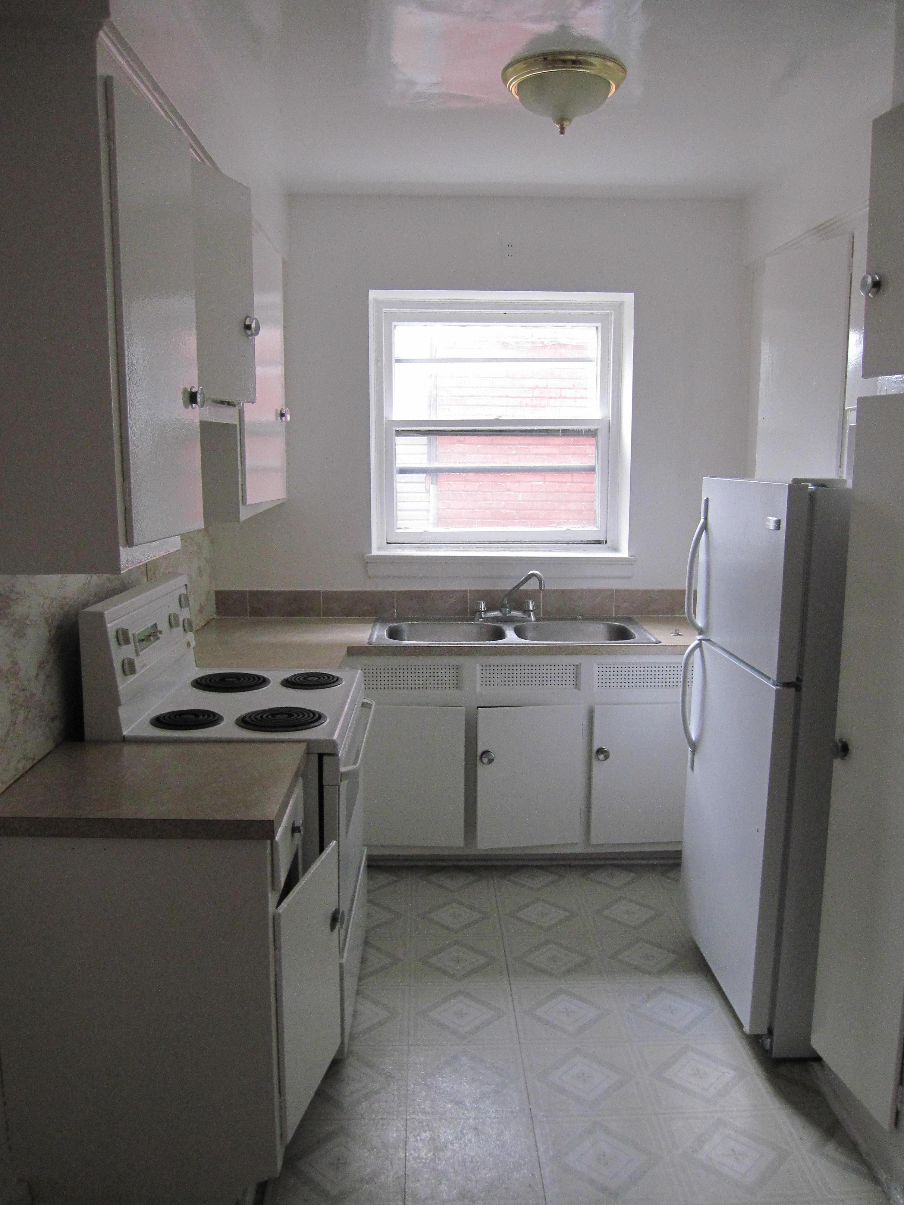 2 bedroom Apartments for rent in Notre-Dame-de-Grace at 4635 Clanranald - Photo 05 - RentQuebecApartments – L23639