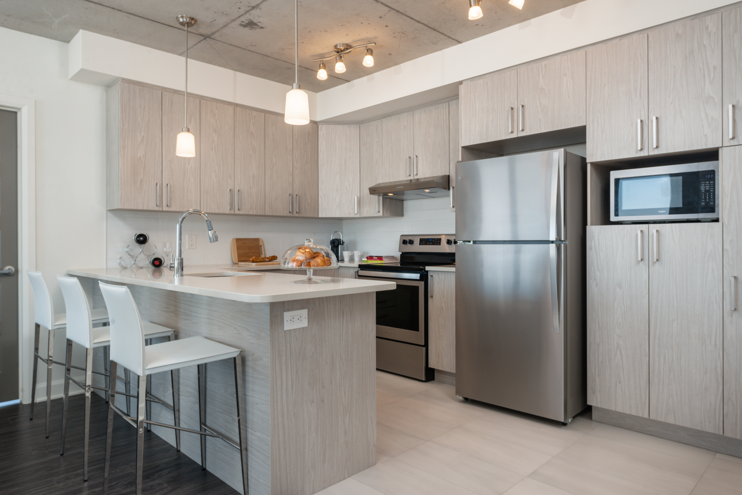 3 bedroom Apartments for rent in Laval at Axial Towers - Photo 01 - RentQuebecApartments – L401511