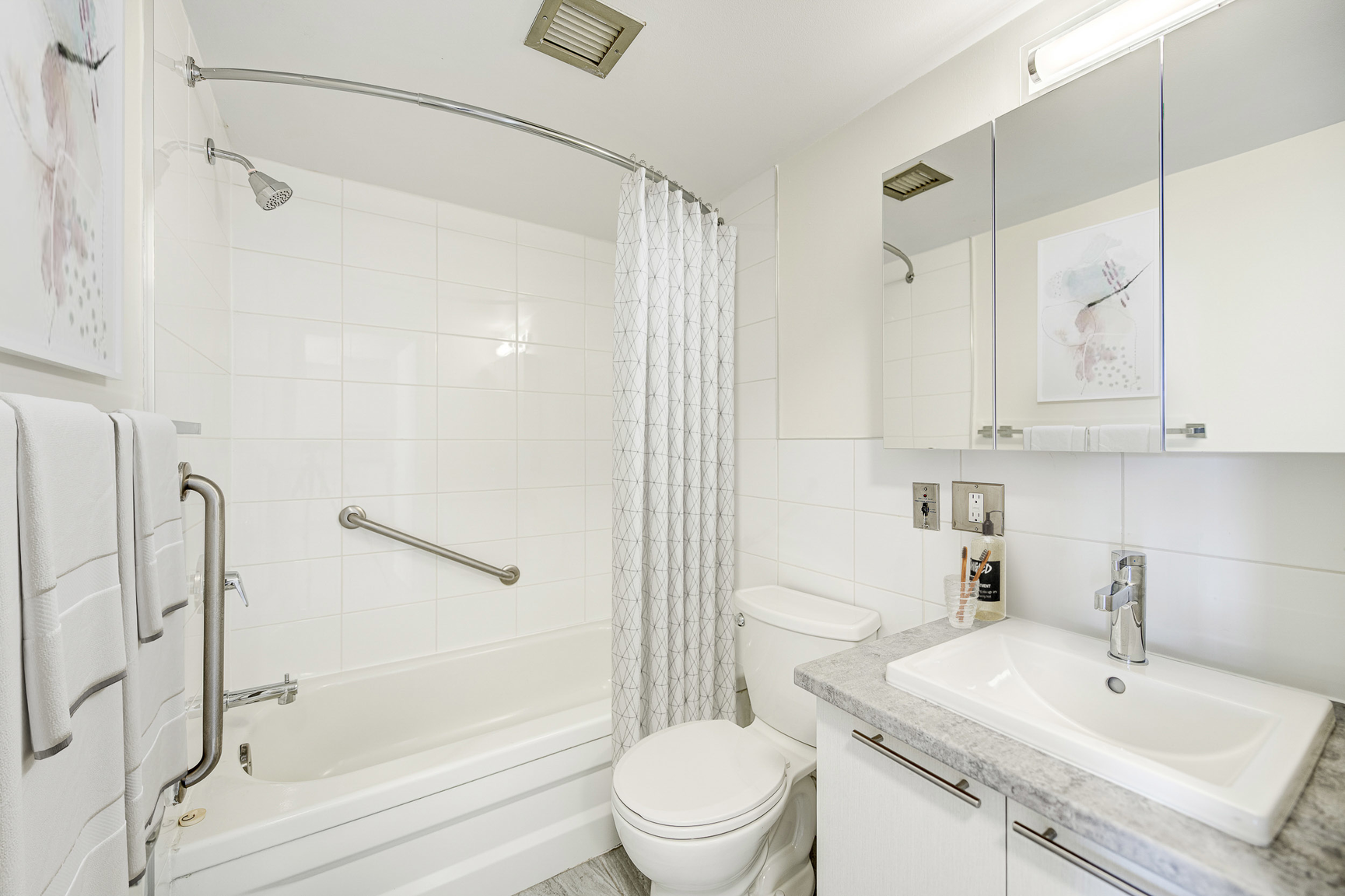 1 bedroom Apartments for rent in Laval at Le Quatre Cent - Photo 05 - RentQuebecApartments – L407183