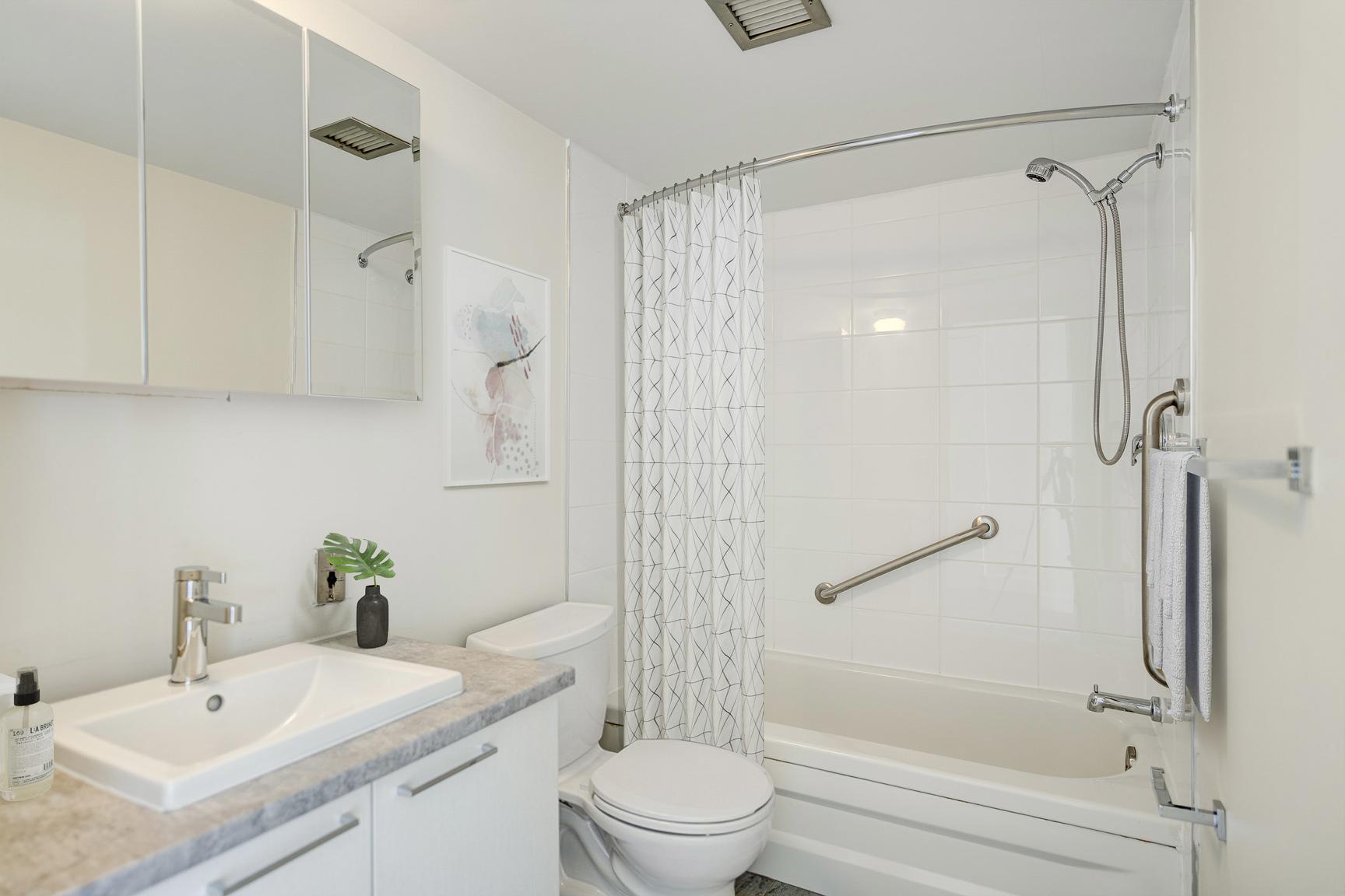 1 bedroom Apartments for rent in Laval at Le Quatre Cent - Photo 10 - RentQuebecApartments – L407183