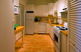 1 bedroom Apartments for rent in Montreal at Place du Cercle - Photo 01 - RentQuebecApartments – L1149
