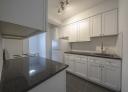 1 bedroom Apartments for rent in Westmount at 30 rue Stanton - Photo 01 - RentQuebecApartments – L401550