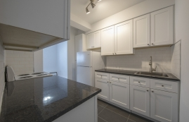 1 bedroom Apartments for rent in Westmount at 30 rue Stanton - Photo 01 - RentQuebecApartments – L401550