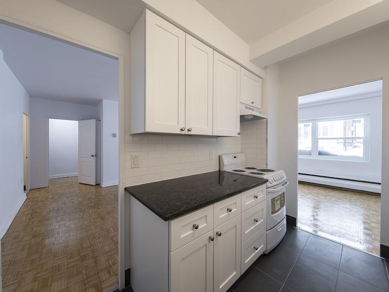 1 bedroom Apartments for rent in Westmount at 30 rue Stanton - Photo 05 - RentQuebecApartments – L401550