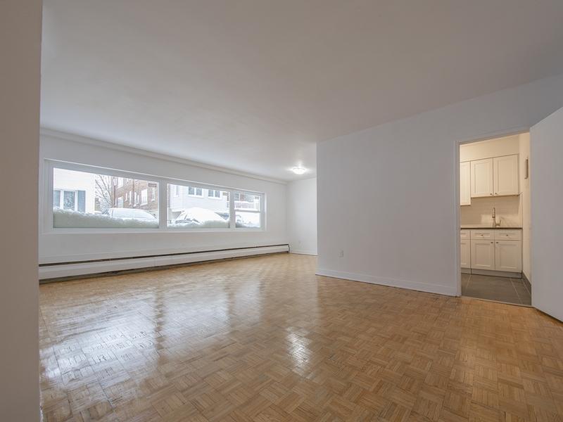 1 bedroom Apartments for rent in Westmount at 30 rue Stanton - Photo 02 - RentQuebecApartments – L401550