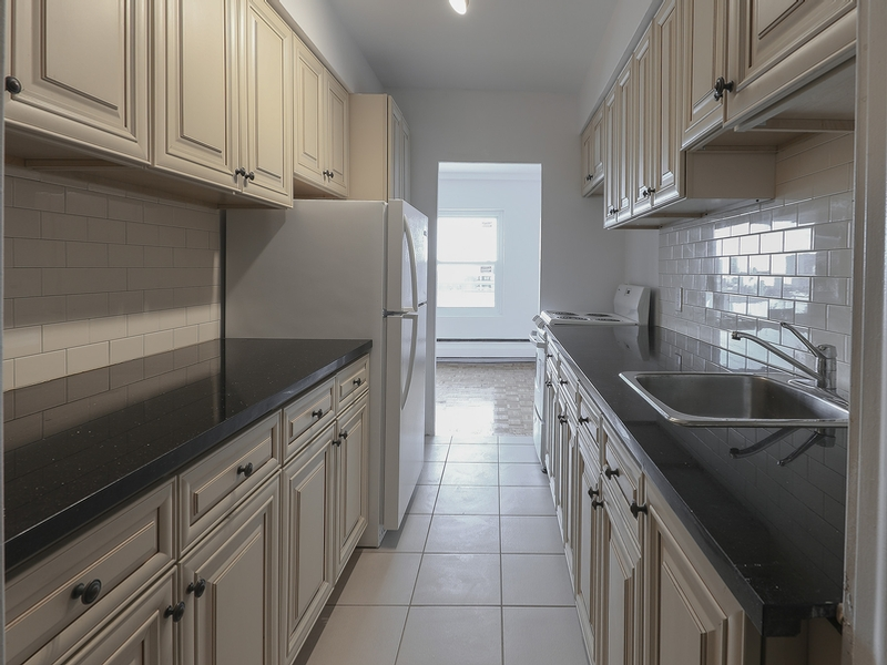 1 bedroom Apartments for rent in Westmount at 30 rue Stanton - Photo 07 - RentQuebecApartments – L401550