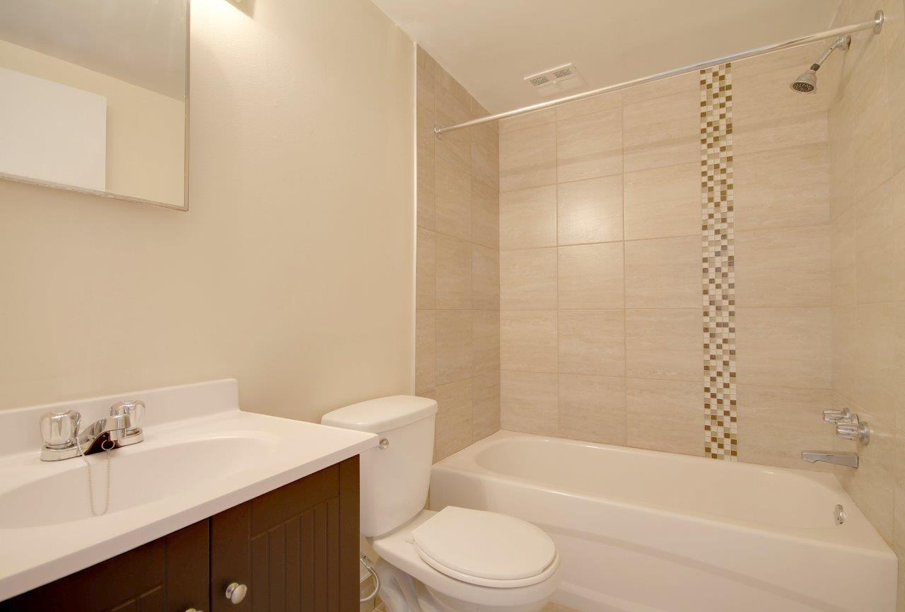 1 bedroom Apartments for rent in Pierrefonds-Roxboro at Le Palais Pierrefonds - Photo 02 - RentQuebecApartments – L179180