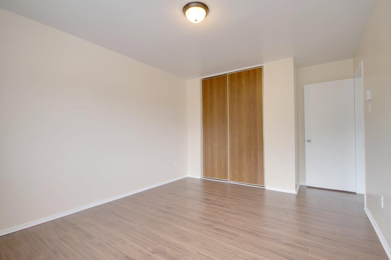 1 bedroom Apartments for rent in Pierrefonds-Roxboro at Le Palais Pierrefonds - Photo 05 - RentQuebecApartments – L179180