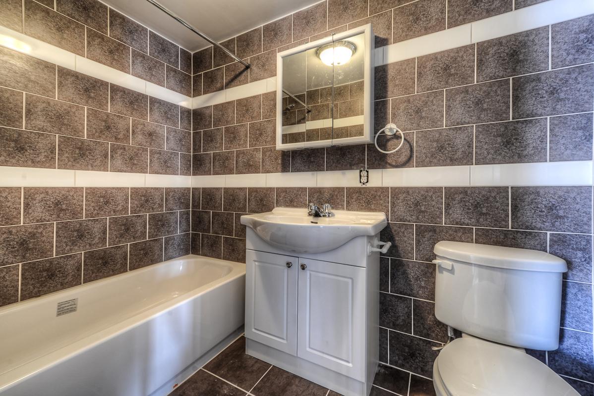 2 bedroom Apartments for rent in Cote-des-Neiges at 2970 Van Horne - Photo 10 - RentQuebecApartments – L22331