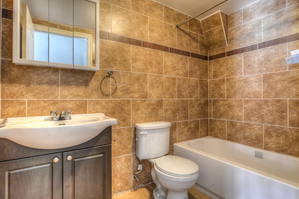 2 bedroom Apartments for rent in Cote-des-Neiges at 2970 Van Horne - Photo 12 - RentQuebecApartments – L22331