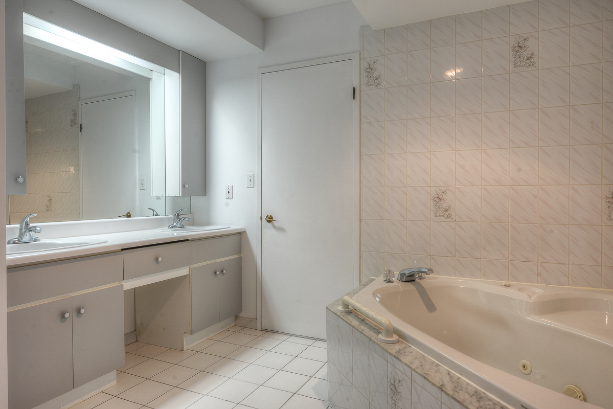 2 bedroom Apartments for rent in St. Leonard at Le Baron II Inc. - Photo 04 - RentQuebecApartments – L128083