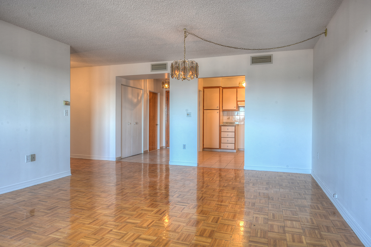 2 bedroom Apartments for rent in St. Leonard at Le Baron II Inc. - Photo 09 - RentQuebecApartments – L128083
