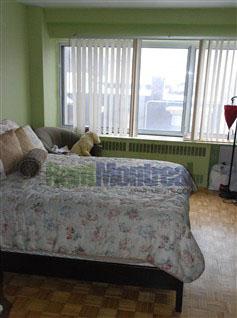 Junior 1 bedroom Apartments for rent in Notre-Dame-de-Grace at Tour Girouard - Photo 02 - RentQuebecApartments – L2078