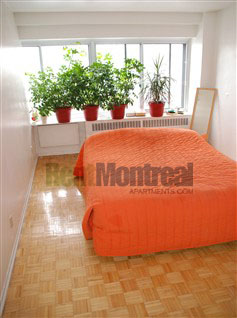 Junior 1 bedroom Apartments for rent in Notre-Dame-de-Grace at Tour Girouard - Photo 06 - RentQuebecApartments – L2078