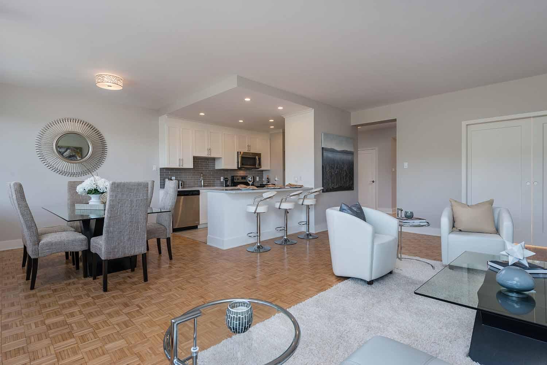 luxurious 2 bedroom Apartments for rent in Westmount at 4300 de Maisonneuve West - Photo 05 - RentQuebecApartments – L2167