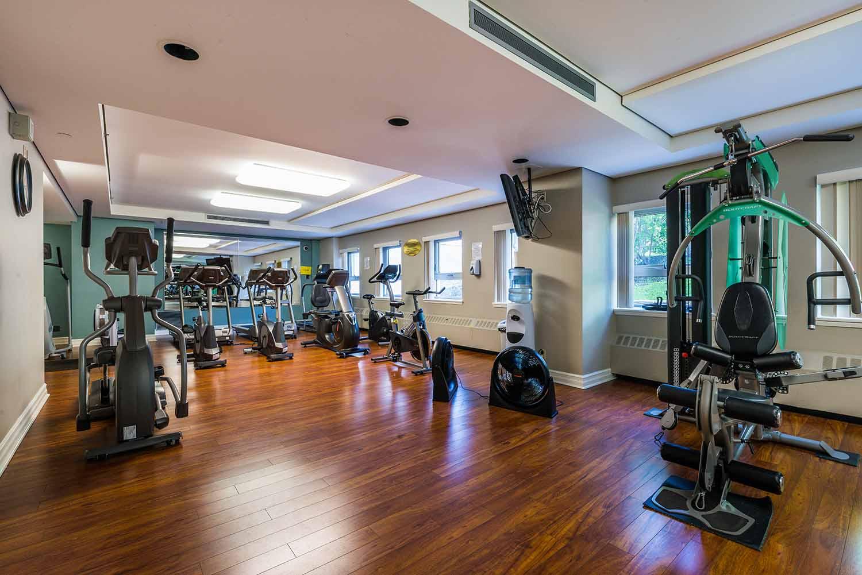 luxurious 2 bedroom Apartments for rent in Westmount at 4300 de Maisonneuve West - Photo 08 - RentQuebecApartments – L2167