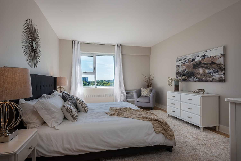 luxurious 2 bedroom Apartments for rent in Westmount at 4300 de Maisonneuve West - Photo 14 - RentQuebecApartments – L2167