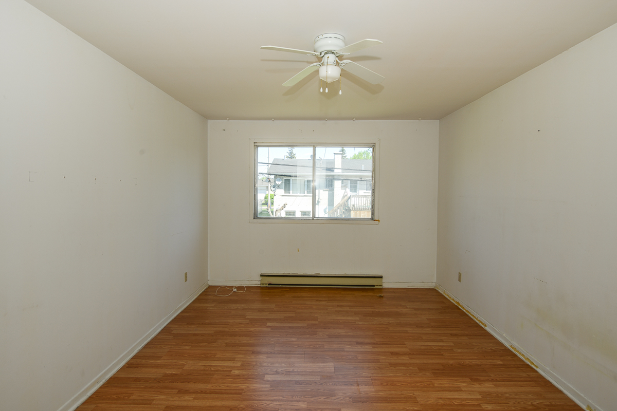 3 bedroom Apartments for rent in Laval at 5085 Notre Dame - Photo 10 - RentQuebecApartments – L28112