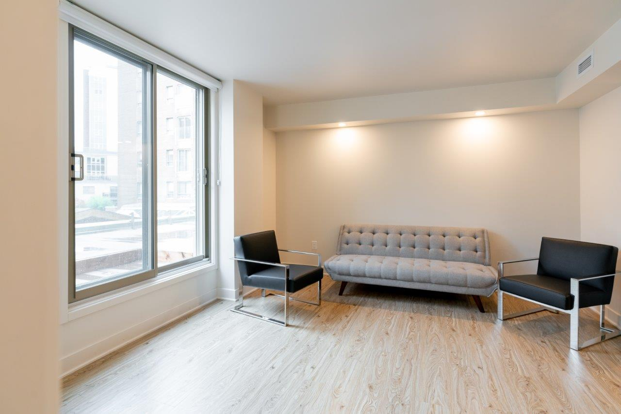 luxurious 1 bedroom Apartments for rent in Ville St-Laurent - Bois-Franc at Tours Bois-Franc - Photo 10 - RentQuebecApartments – L403166