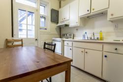 3 bedroom Apartments for rent in Cote-des-Neiges at 2219-2229 Edouard-Montpetit - Photo 05 - RentQuebecApartments – L694