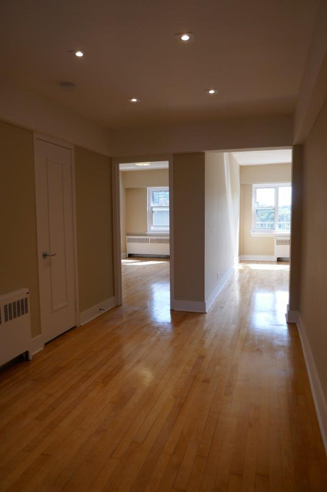 1 bedroom Apartments for rent in Montreal (Downtown) at 3644 du Musee - Photo 02 - RentQuebecApartments – L401050
