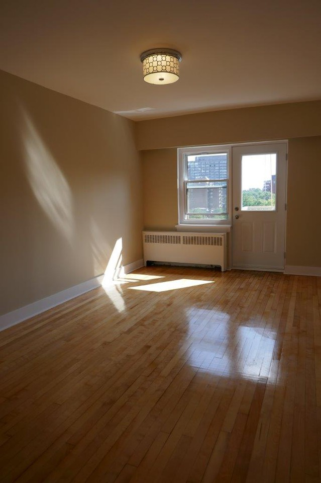 1 bedroom Apartments for rent in Montreal (Downtown) at 3644 du Musee - Photo 07 - RentQuebecApartments – L401050
