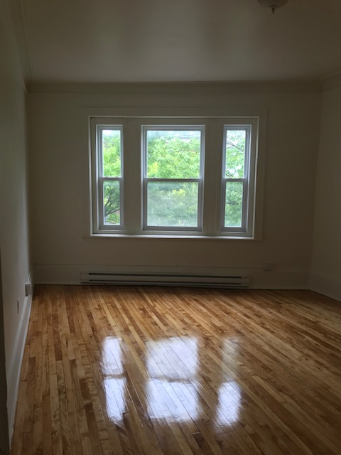 3 bedroom Apartments for rent in Notre-Dame-de-Grace at 5621-5627 Sherbrooke West - Photo 08 - RentQuebecApartments – L401599
