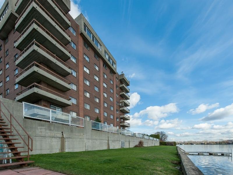 1 bedroom Apartments for rent in Laval at Le Castel de Laval - Photo 05 - RentQuebecApartments – L6086