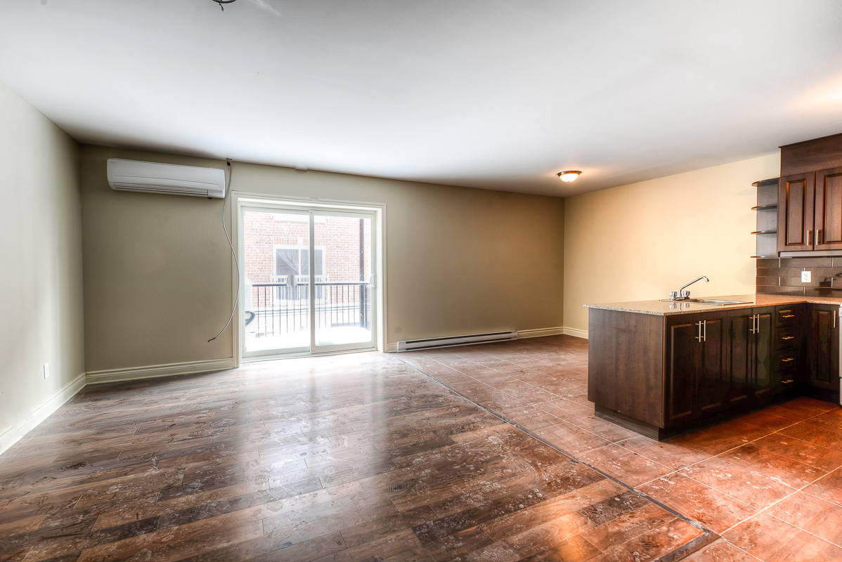 3 bedroom Apartments for rent in Cote-des-Neiges at 2970 Van Horne - Photo 08 - RentQuebecApartments – L22333