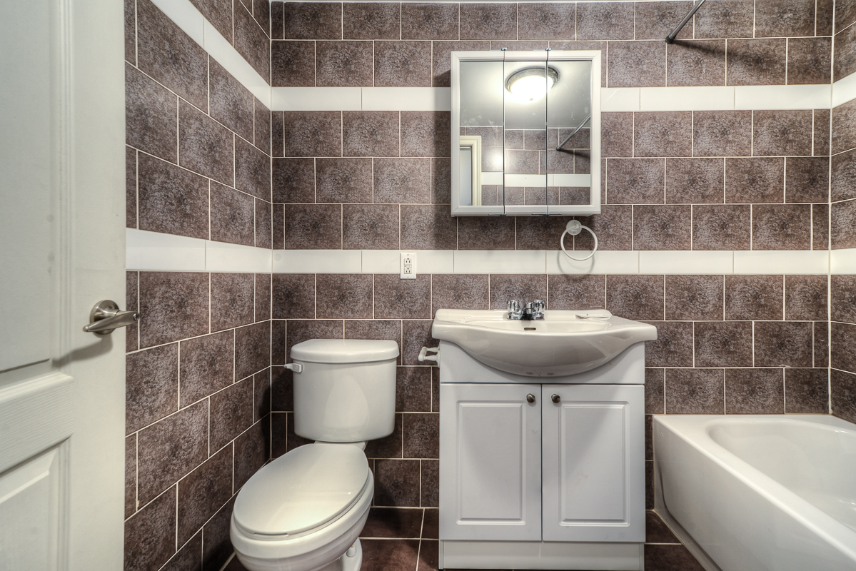 3 bedroom Apartments for rent in Cote-des-Neiges at 2970 Van Horne - Photo 09 - RentQuebecApartments – L22333