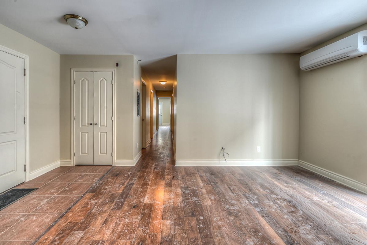 3 bedroom Apartments for rent in Cote-des-Neiges at 2970 Van Horne - Photo 11 - RentQuebecApartments – L22333