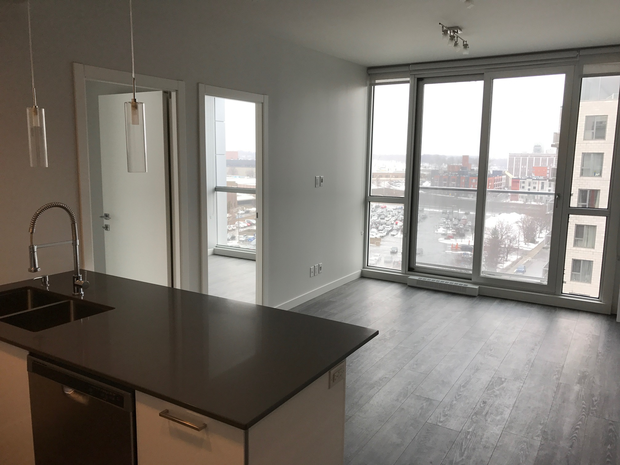 luxurious 2 bedroom Apartments for rent in Montreal (Downtown) at Le Rubic - Photo 06 - RentQuebecApartments – L198458