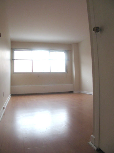 Studio / Bachelor Apartments for rent in Montreal (Downtown) at 3565 Lorne - Photo 07 - RentQuebecApartments – L5007