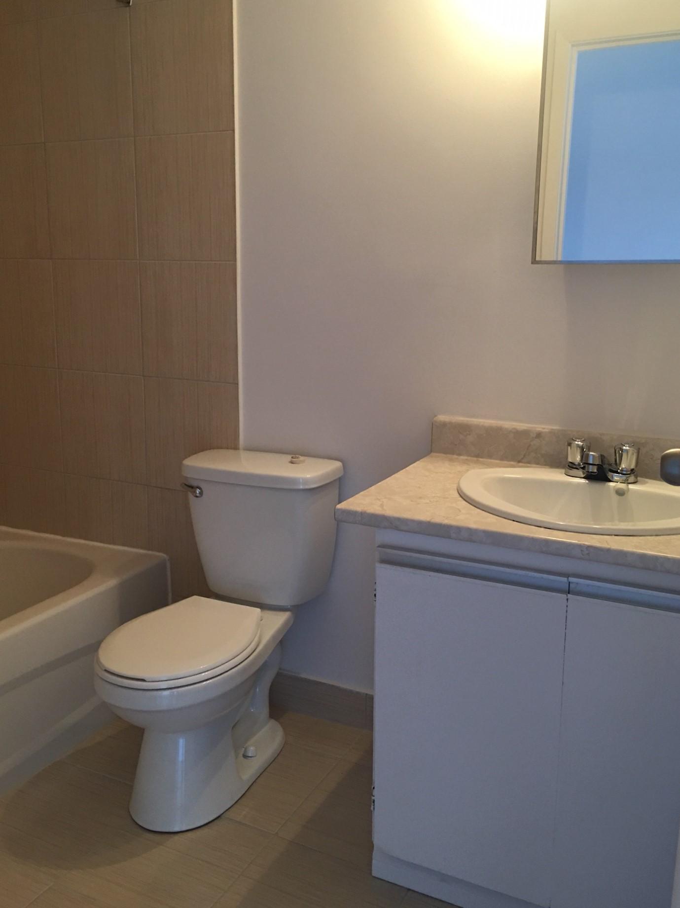 1 bedroom Apartments for rent in Pointe-aux-Trembles at Habitations de la Rousseliere - Photo 06 - RentQuebecApartments – L1921
