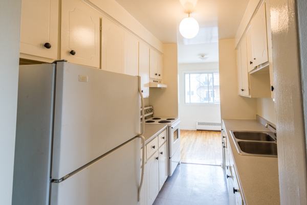 2 bedroom Apartments for rent in Lachine at Lachine Plaza - Photo 06 - RentQuebecApartments – L10038